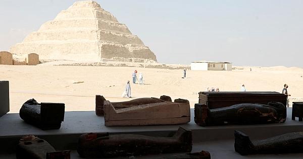 100'den fazla antik mezar bulundu