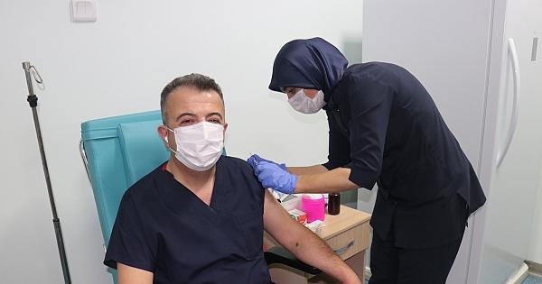 Korona virüs aşı denemeleri başladı!