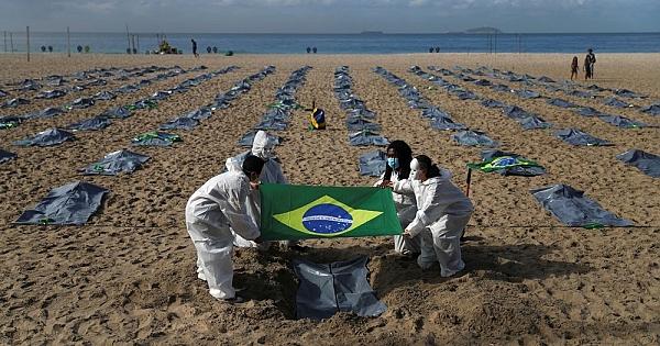 Copacabana plajında ceset torbaları