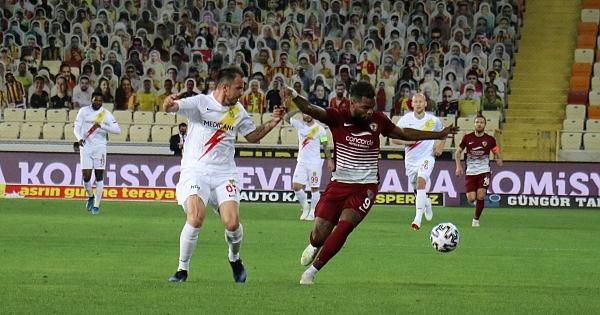 YMS Süper Lig'de kalmayı garantiledi