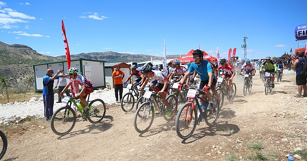 Levent Vadisi'nde dağ bisikleti yarışı