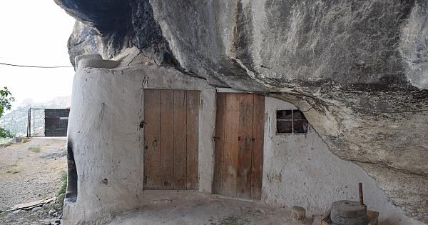 Mağara evler ilgi odağı oldu!