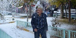 Darende'ye yılın ilk karı yağdı