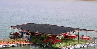 Denizi olmayan Malatya'da yüzen restoran