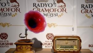 Radyo ve Gramofon Müzesine yoğun ilgi