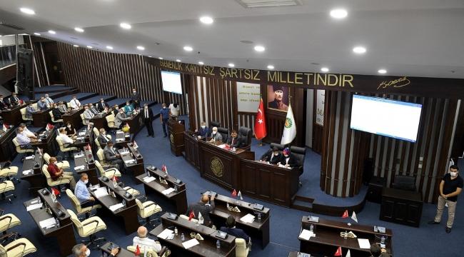 Belediye Meclisi'nde koronadan ölen İrfan Kaya anıldı
