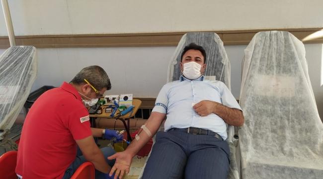 Cengiz'den kan bağışına destek