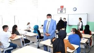 Gürkan üniversite adaylarıyla buluştu