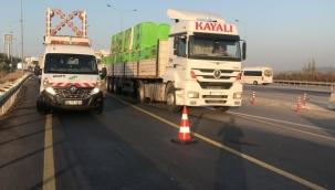 Kontrolden çıkan kamyon bariyerlere çarptı: 1 ölü