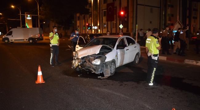 Sivil ekip aracı kaza yaptı: 1 yaralı