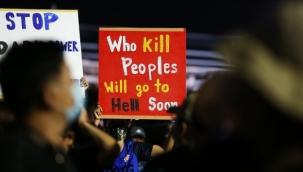 Tayland'da hükümet ve monarşi karşıtı protesto