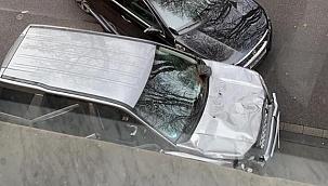 Araç yayaların arasına daldı: 2 ölü
