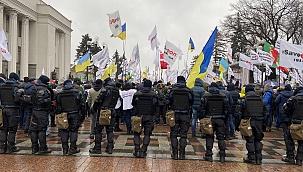 Ukrayna'da karantina protestosu