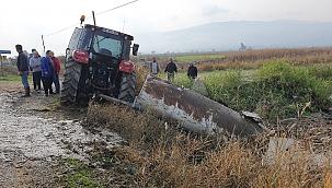Beton mikseri traktöre çarptı: 1 yaralı