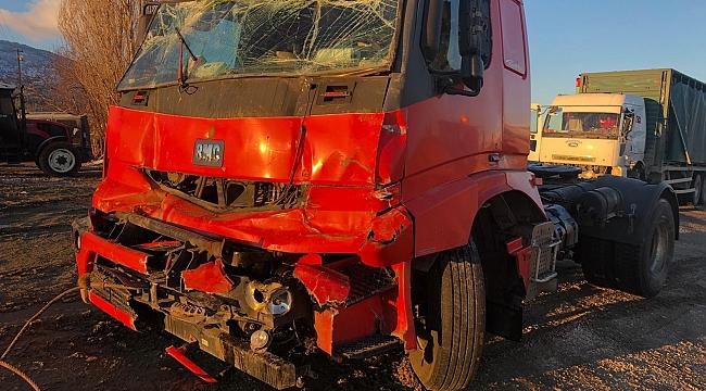 Elazığ'da kaza 5 araç birbirine girdi