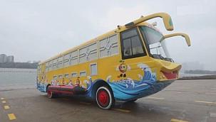 Karada ve suda gidebilen otobüs