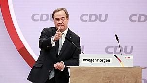 Merkel'in partisi CDU yeni başkanını seçti