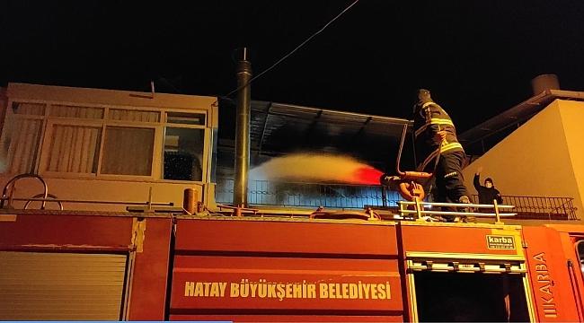 Samandağ'da ev yangını korkuttu