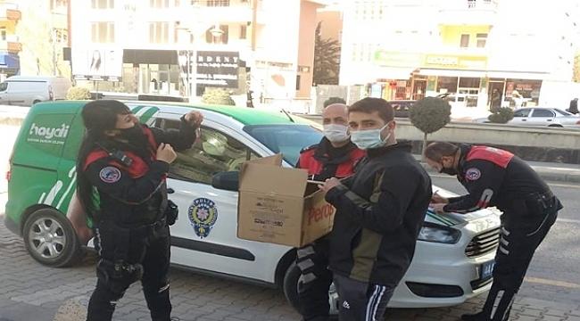 Kanadı kırık Serçe'ye polis şefkati!