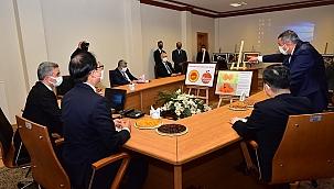 Büyükelçi Lee'ye kayısının tanıtımı yapıldı