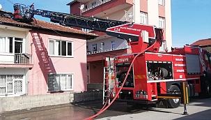 Çatı yangını ucuz atlatıldı!
