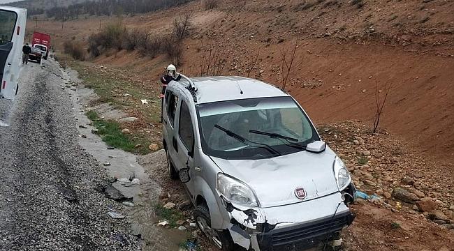 İki ayrı trafik kazasında: 1 ölü 9 yaralı