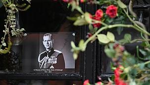 İngiltere Prens Philip'e veda ediyor