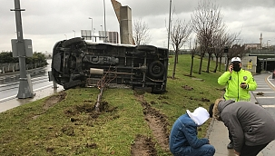 Kontrolden çıkan araç yan yattı!