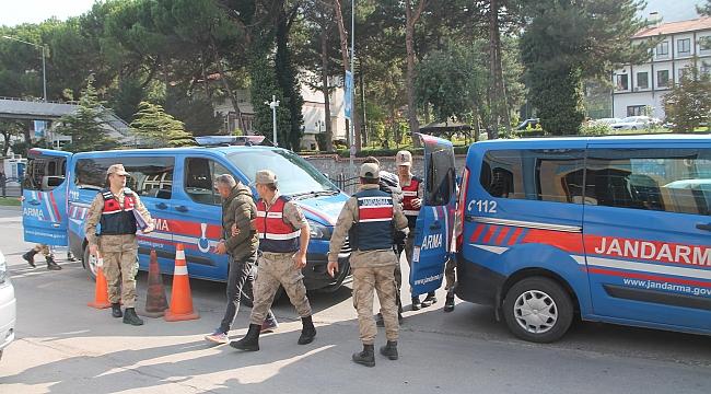 Tutuklular kavgada hastanelik oldu