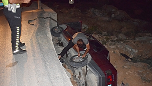 Otomobil şarampole düştü: 2 yaralı!