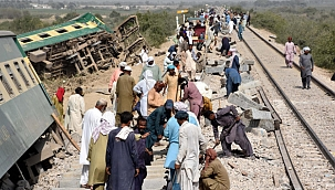 Pakistan'da tren kazası: 30 ölü