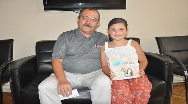 Sekiz yaşında hikaye kitabı yazdı!