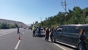 İki hafif ticari araç çarpıştı: 12 yaralı!