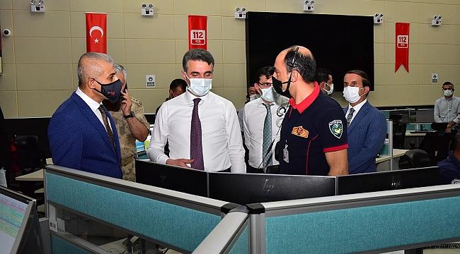 Kolluk kuvvetleri ve sağlık çalışanlarına ziyaret