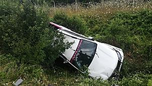 Otomobil refüje yuvarlandı: 1 yaralı