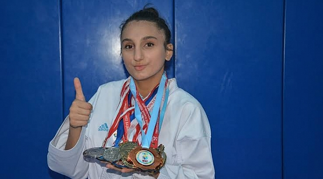 Uygur Türkiye Şampiyonu olarak döndü