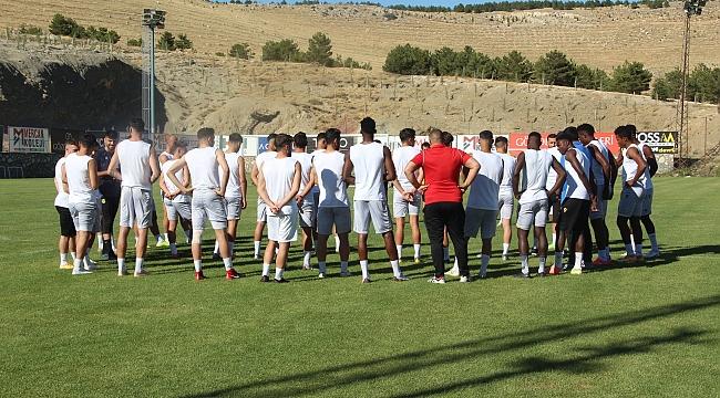 YMS'li genç futbolculara milli davet