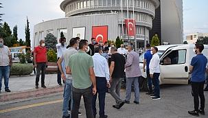 Fırıncı esnafında belediye önünde eylem