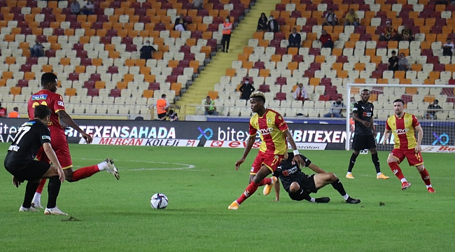 YMS evinde Sivasspor'a boyun eğdi