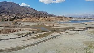 Sürgü Barajı'nda korkutan kuraklık!
