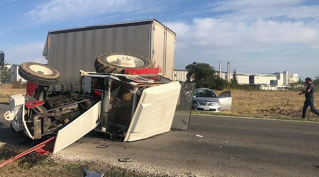 Traktöre arkadan çarptı: 4 yaralı