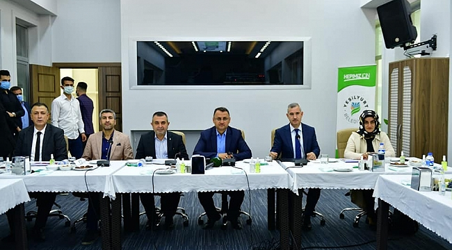 Yeşilyurt'ta AK Partili Kaçar'a brifing