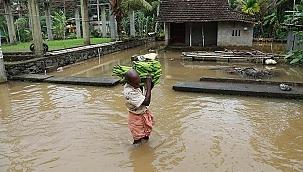 Hindistan'da sel felaketinde bilanço ağırlaşıyor