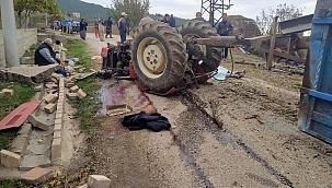 Odun yüklü traktör devrildi: 1 ölü 1 yaralı