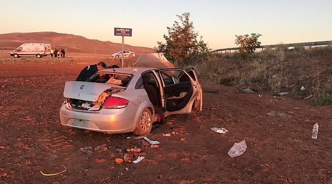Otomobil şarampole devrildi: 2 ölü 2 yaralı