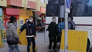 Polisten kaçak göçmen operasyonu