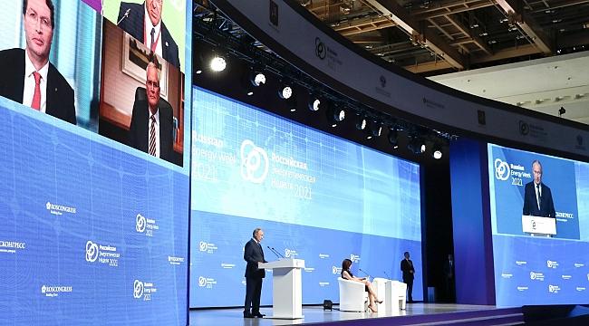 Putin: Enerjiyi silah olarak kullanmıyoruz