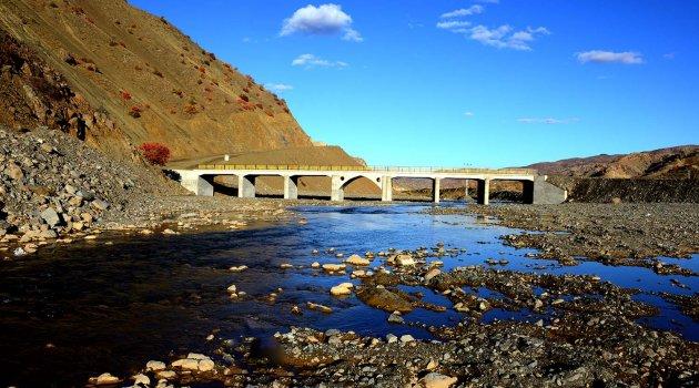 3 yılda 48 köprü yapıldı