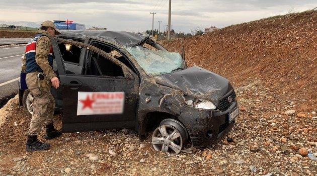Adıyaman'da otomobil takla attı: 8 yaralı