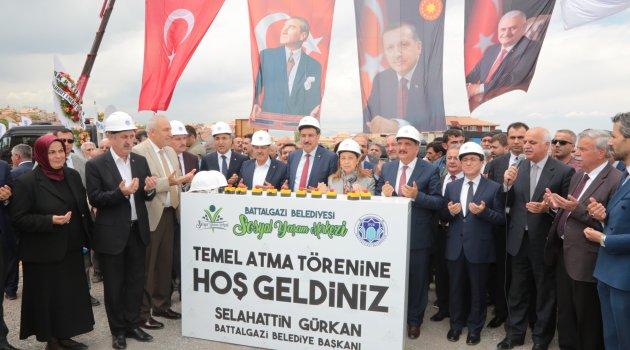 Battalgazi Belediyesi Sosyal Yaşam Merkezi'nin Temeli Atıldı